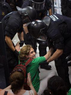 Ada-Colau-activista-desahucios-nacional_LPRIMA20150525_0148_11