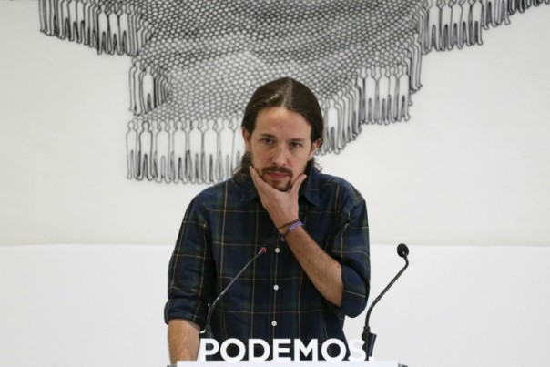 Le leader de Podemos, Pablo Iglesias, en conférence de presse le 28 mai 2015 à Madrid. (Reuters/Juan Medina)